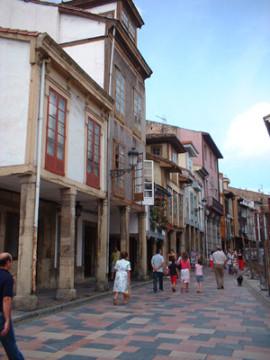Avilés auf dem Sternenweg in Asturien