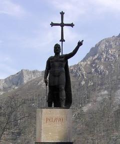 Gallaecia Sueva - Pelayo-Statue in Covadonga